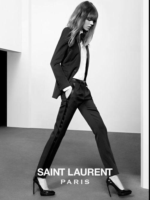 Yves saint laurent 39 s le smoking tuxedo elope in paris for Miroir yves saint laurent