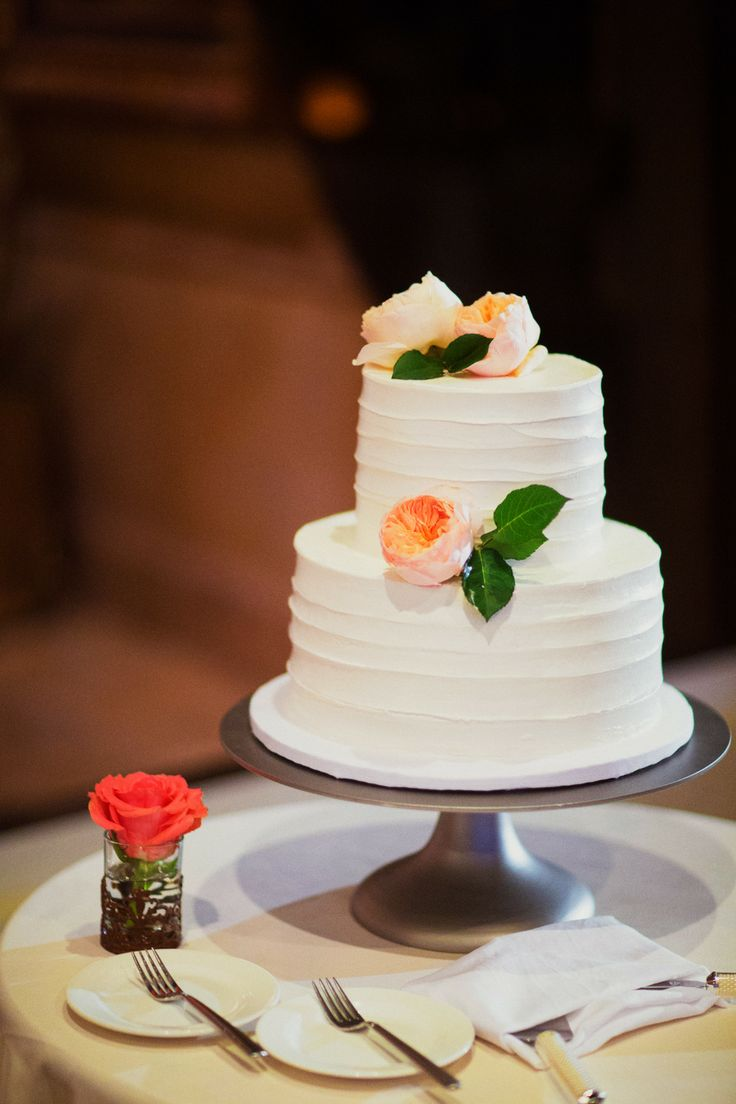 Small wedding cakes for intimate ceremonies elope in paris rustic wedding cake we love planning fun and unique intimate ceremonies in paris our approach is easy going and friendly youll find us running around junglespirit Choice Image