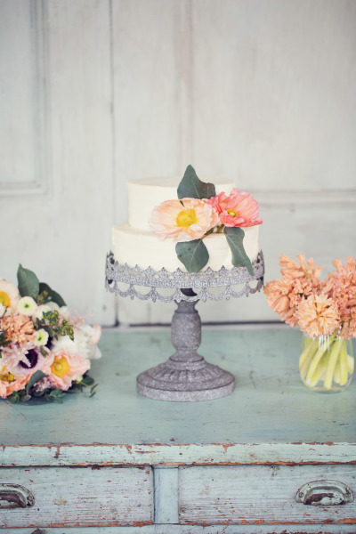 meaning behind feeding wedding cake small wedding cakes for intimate ceremonies elope in 17236